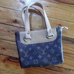 Handbags - Small Dark Brown Tan Tote